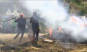 Policiais e fazendeiros entram em confronto durante protesto na Bélgica