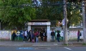 Escolas estaduais do RS reabrem após duas semanas de greve