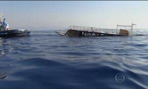 Barco naufraga entre a Turquia e a Grécia