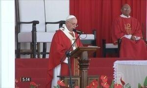 Papa Francisco diz que os católicos precisam ter coragem
