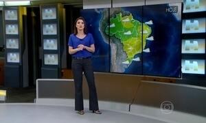 Por causa do calor, mulher consegue fritar ovo na terra no Piauí