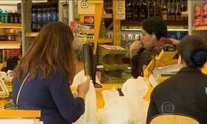 JN flagra preços diferentes no caixa e nas prateleiras de supermercados