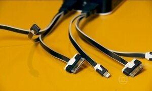 Shopping e restaurantes oferecem carregadores de bateria para celular