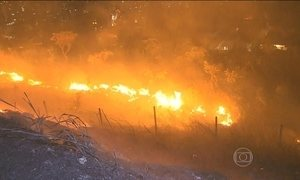 Incêndio atinge a Serra do Curral e assusta moradores de Belo Horizonte