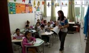 Mensalidade mais cara faz alunos migrarem para escolas públicas
