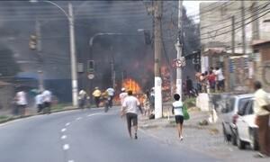 Morte de morador deflagra onda de vandalismo em comunidade no Rio