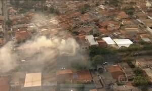 Incêndio destrói galpão em Belo Horizonte
