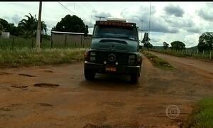 Trânsito de caminhões é bloqueado em duas rodovias de Goiás sem manutenção