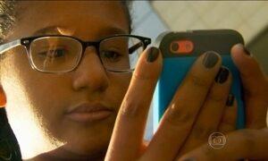 Vício na vida digital afeta mais profundamente os jovens