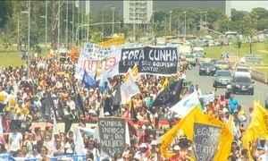 Manifestantes protestam contra Cunha em pelo menos 11 capitais