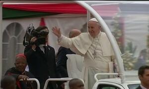 Papa se reúne com milhares de jovens no Quênia