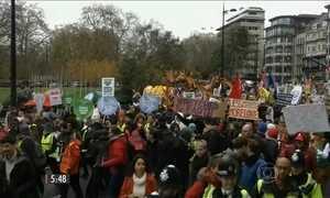 Franceses protestam antes do início da COP 21, em Paris