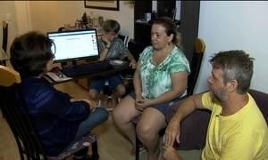 Famílias ainda esperam os presentes de Natal comprados pela internet