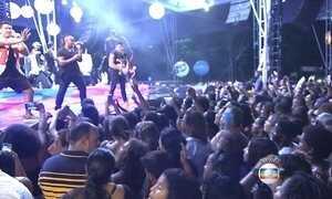 Dez mil pessoas participam de ensaio para o Carnaval de Salvador