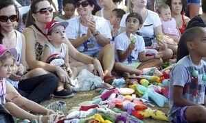 Desenhos de crianças viram bonecos de verdade com o Projeto Presença