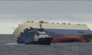 Cargueiro à deriva no Golfo da Biscaia, no Atlântico, pode ser rebocado nesta segunda (1º)