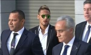 Neymar presta depoimento sobre transferência para o Barcelona
