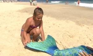 Nadar com fantasia de sereia pode representar risco de afogamento