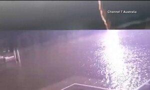 Australianos escapam por pouco de serem atingidos por um raio; veja as imagens