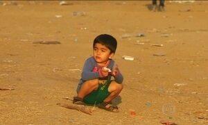 ONU diz que tem mais mulheres e crianças cruzando a fronteira grega do que homens