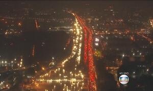 Movimento de saída é intenso nas estradas de São Paulo
