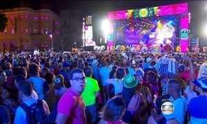 Milhões de pessoas já festejam o carnaval pelo Brasil