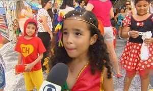 Tradição do frevo passa de pai para filho no carnaval do Recife