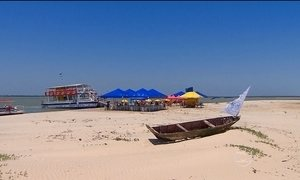 Praias de Aracaju (SE) encantam turistas que buscam lazer e esportes