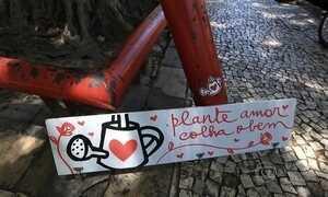 Artistas espalham mensagens pelo Recife para humanizar a cidade