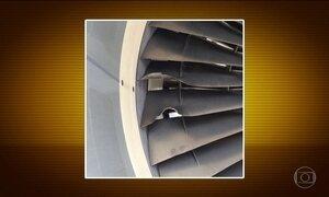 Turbina de avião suga pássaro e passageiros se assustam, em SP