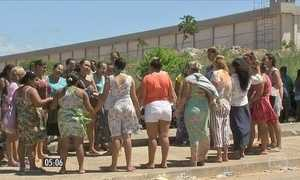 Rebeliões em presídios deixam 5 detentos mortos