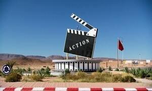 Cidade no deserto se transforma em enorme estúdio de cinema ao ar livre