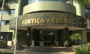 STF devolve investigações sobre Lula à Justiça Federal no PR