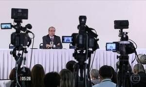 Eduardo Cunha se defende de acusações