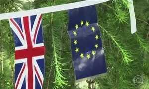 Reino Unido rompe com União Europeia e Cameron anuncia renúncia