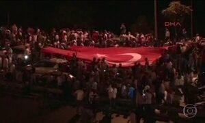 Governo da Turquia anuncia que tentativa de golpe militar foi contida