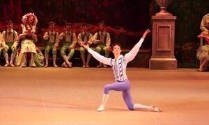 Bailarino brasileiro conquista papel principal no Teatro Bolshoi