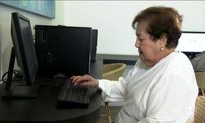 Aumenta o número de idosos que acessam a internet no Brasil