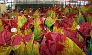 Bastidores da festa de encerramento lembram preparativos para o carnaval