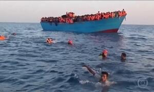 Mais de seis mil pessoas são resgatadas do Mar Mediterrâneo em 48 horas