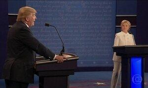 Hillary vence Trump no último debate antes da eleição, mostram pesquisas