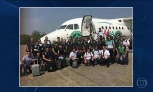 Avião com time da Chapecoense cai na Colômbia e mata 71 pessoas