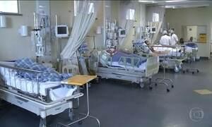 Pacientes estão morrendo por falta de UTIs em hospitais públicos do país