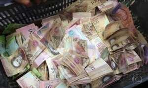 Falta de dinheiro em circulação provoca caos na Venezuela
