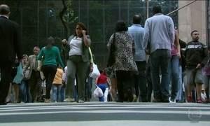 Brasileiros que desistem de procurar trabalho somem das estatísticas