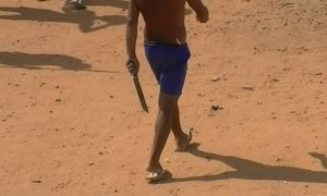 Em meio ao caos em Alcaçuz, cenas exclusivas mostram presos armados