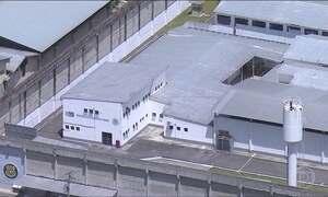 Eike Batista passa a 1ª noite na cadeia e presta depoimento nesta terça (31)
