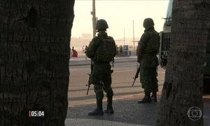 Ladrão morre em troca de tiros com soldados das Forças Armadas no RJ