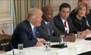 Trump compara deportação de imigrantes ilegais a operação militar