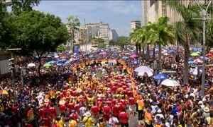 Blocos prolongam o carnaval e arrastam multidões pelo Brasil